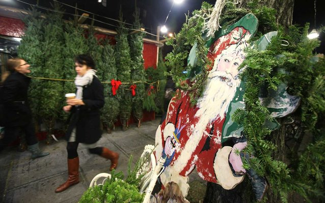 New Yorkers Spend Thousands On Christmas Trees