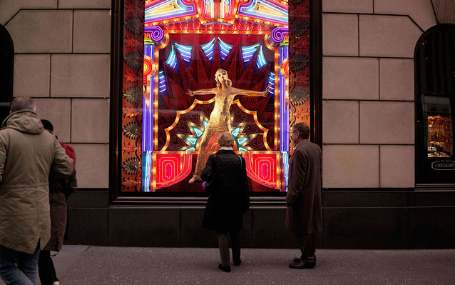Google offers a virtual walk through New York City's iconic holiday windows.