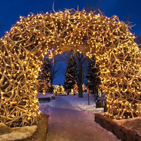 Most romantic hotels in jackson hole travel leisure for Jackson hole wyoming honeymoon cabins