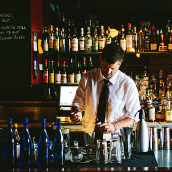 Best Cocktail Bars in Charleston