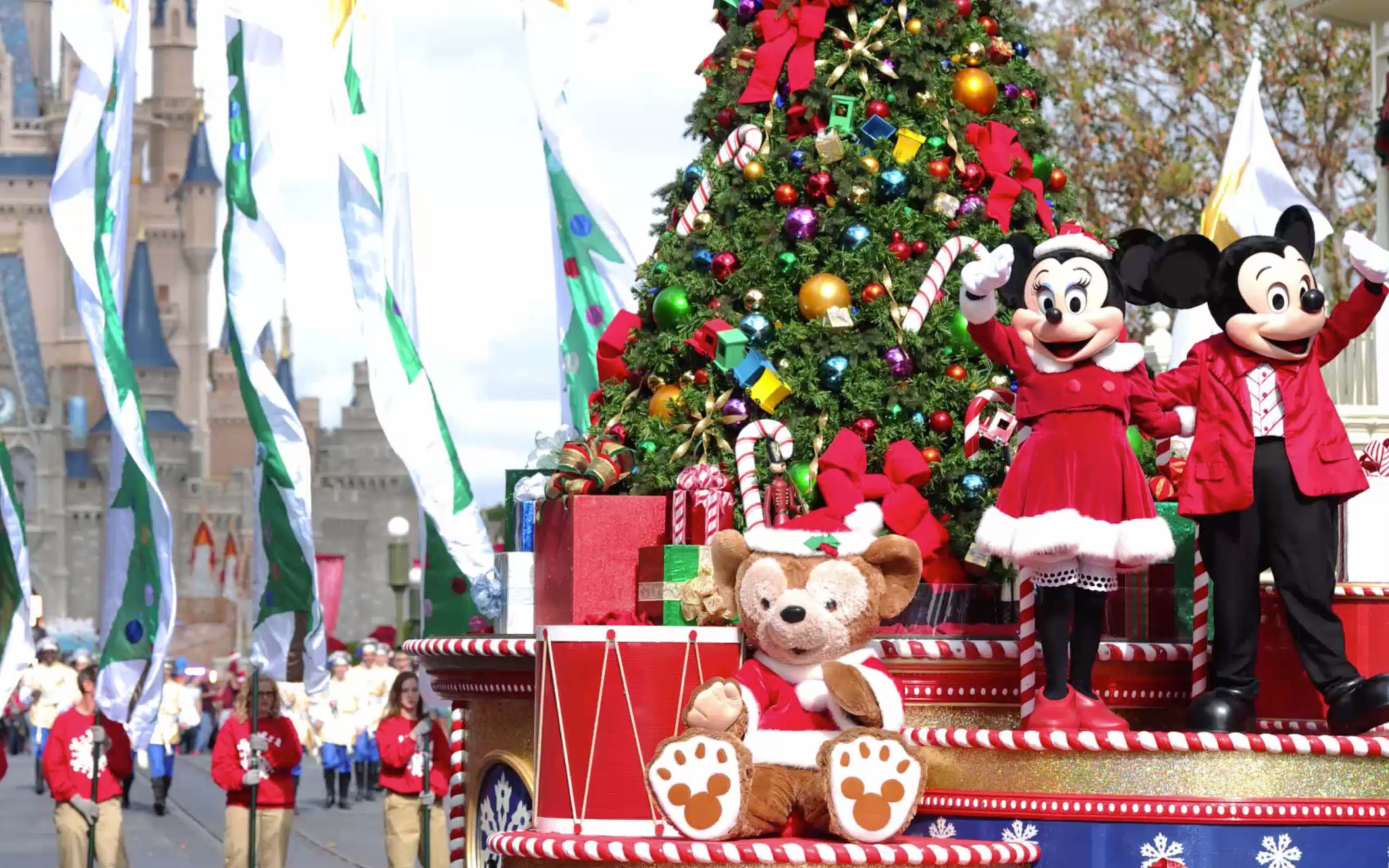 Christmas Has Come To Disney World, And We Already Can't