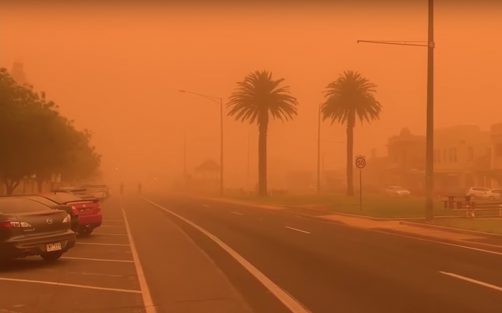 Skies of this Australian city turned red due to a massive dust storm
