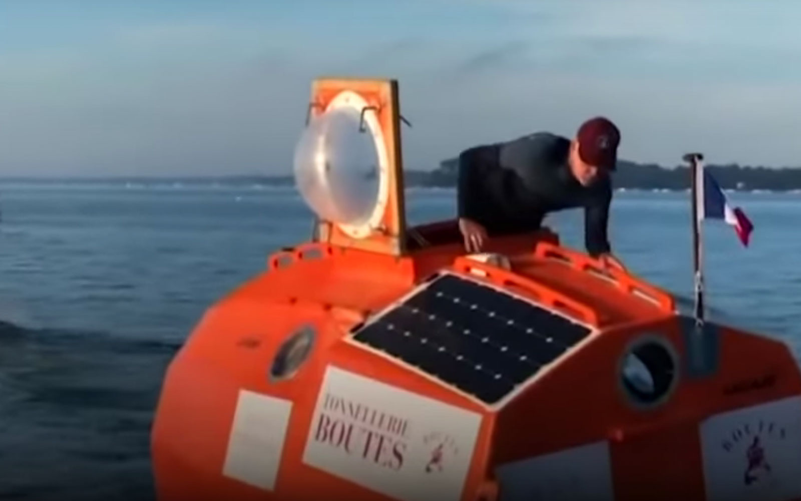 Septuagenarian from France to cross the Atlantic in a barrel (YouTube Video)